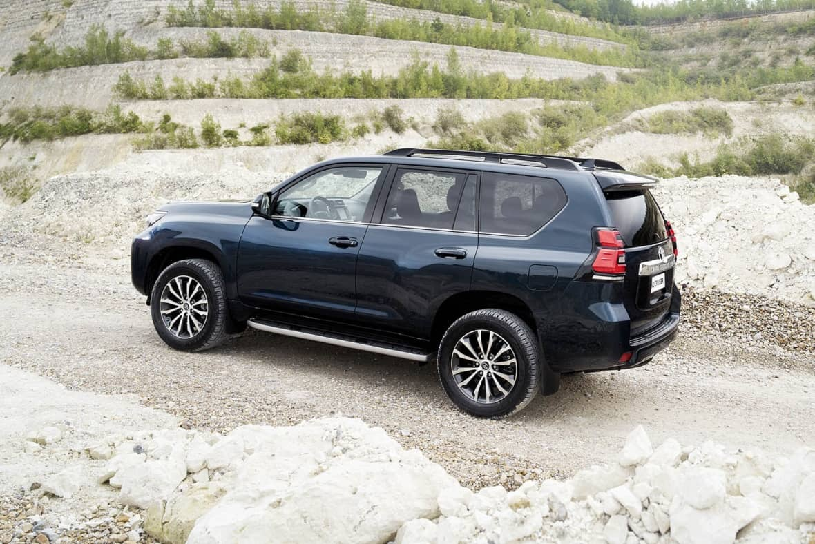2020 Toyota Land Cruiser Pictures