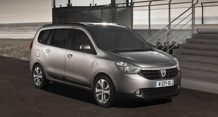El Dacia Lodgy es un monovolúmen low-cost de tamaño compacto. Está disponible con una única carrocería, con versiones de 5 y 7 plazas. Sus motores diésel y gasolina desarrollan entre 90 CV y 115 CV.