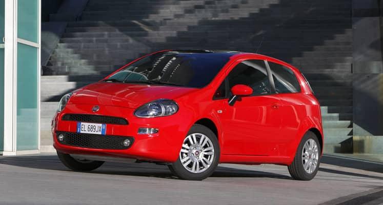 El Fiat Punto es un automóvil de tipo utilitario disponible únicamente en carrocería cinco puertas con una longitud total de 4,1 metros.