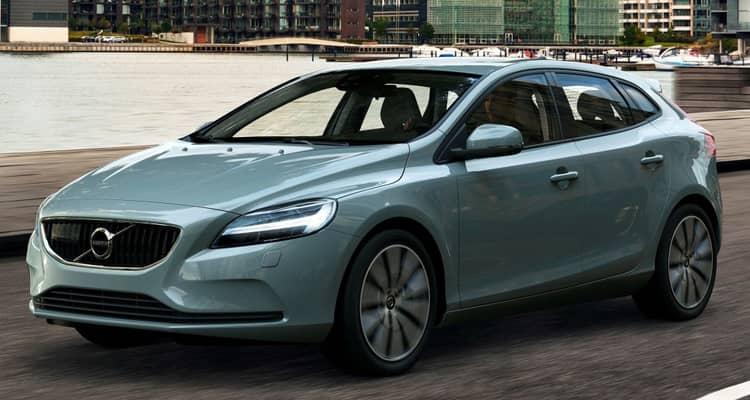 El Volvo V40 es un compacto de cinco puertas con aspecto de familiar y dimensiones muy similares a las de un Audi A3 Sportback.