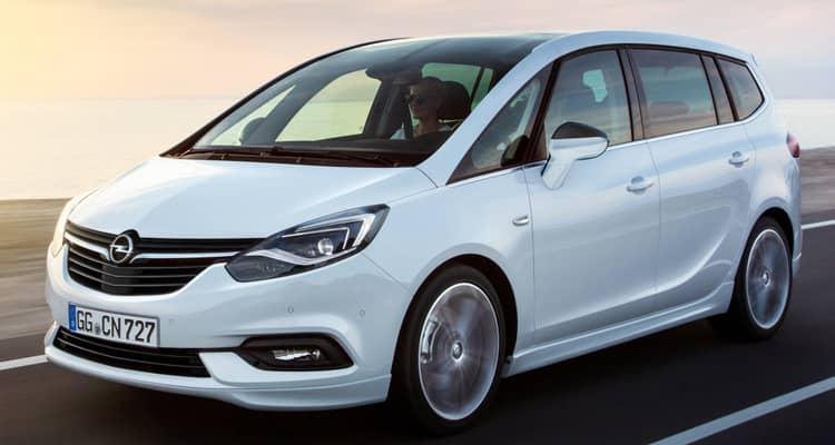 El Opel Zafira es un monovolúmen familiar con 5 cómodas plazas + 2 extra en el maletero para emergencias.